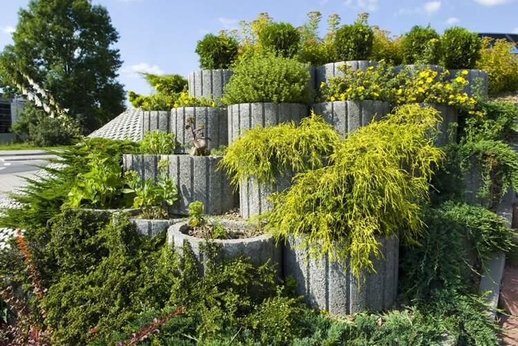 Concrete garden jardinières23