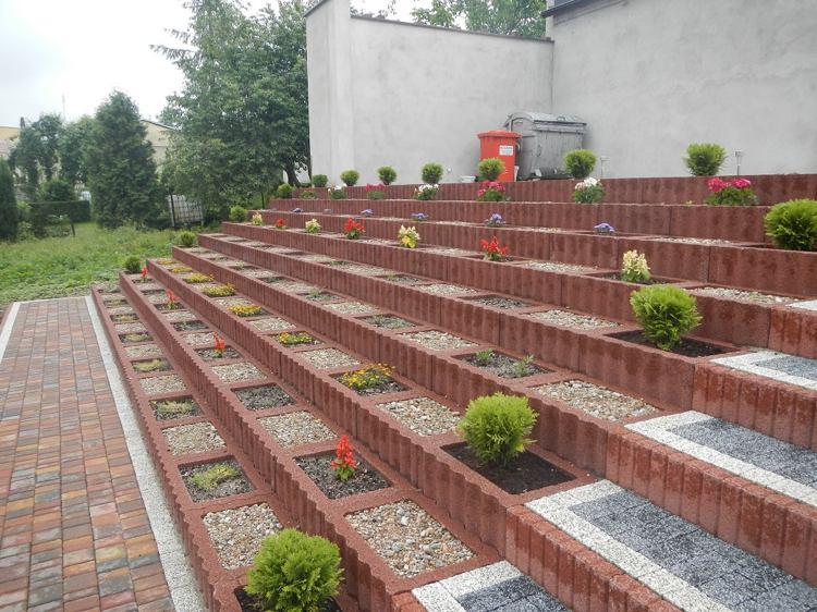 Concrete garden jardinières (4)