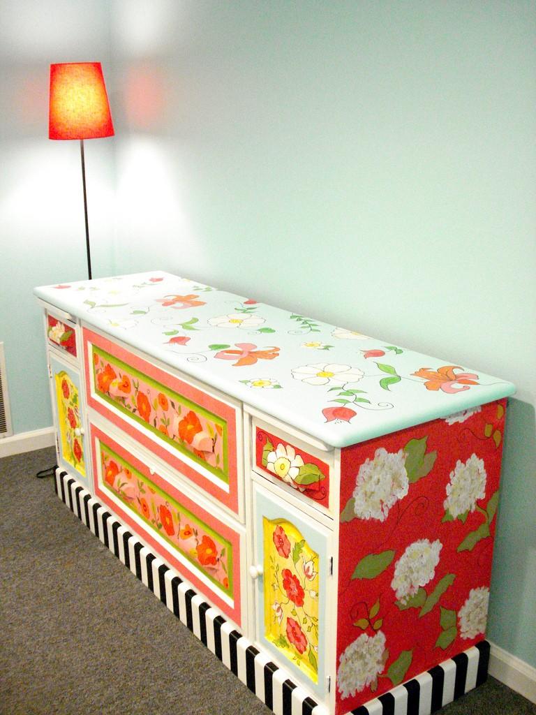 Furniture Decoupage35