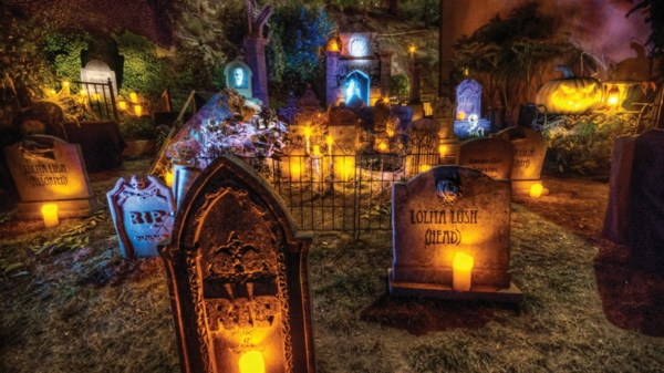 halloween-party-decoration-in-garden2