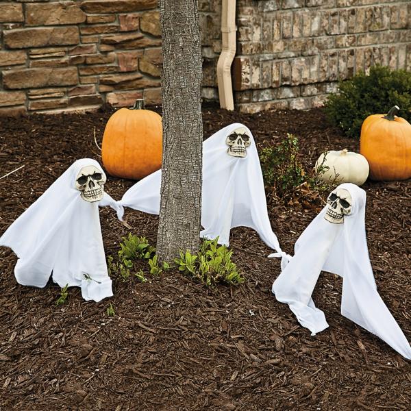 halloween-party-decoration-in-garden5
