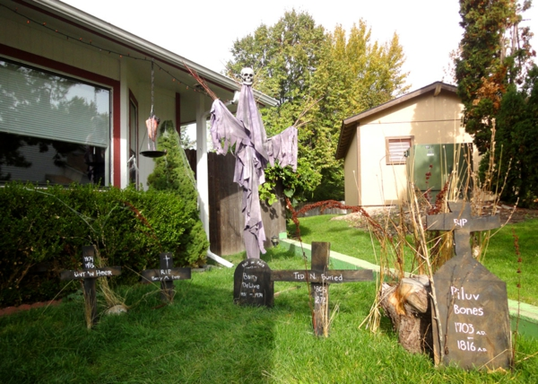 halloween-party-decoration-in-garden6