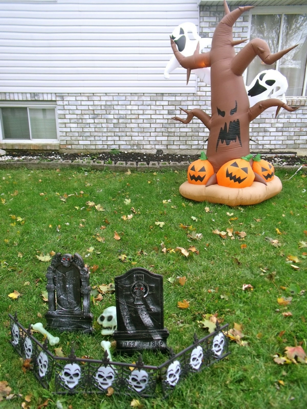 halloween-party-decoration-in-garden7