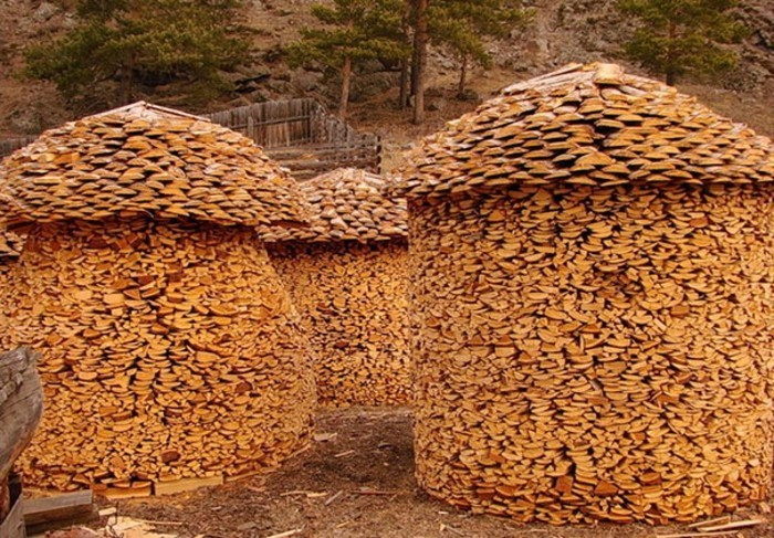 sculptures-from-firewood1-18