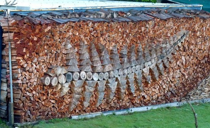 sculptures-from-firewood1-20