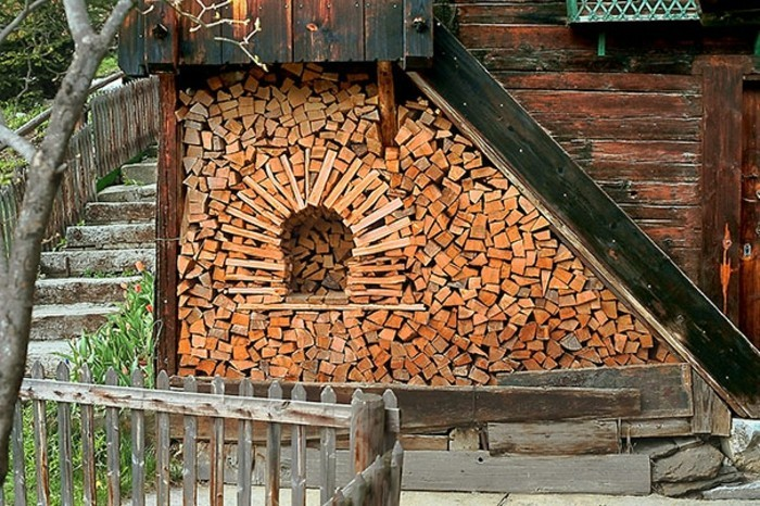 sculptures-from-firewood1-7