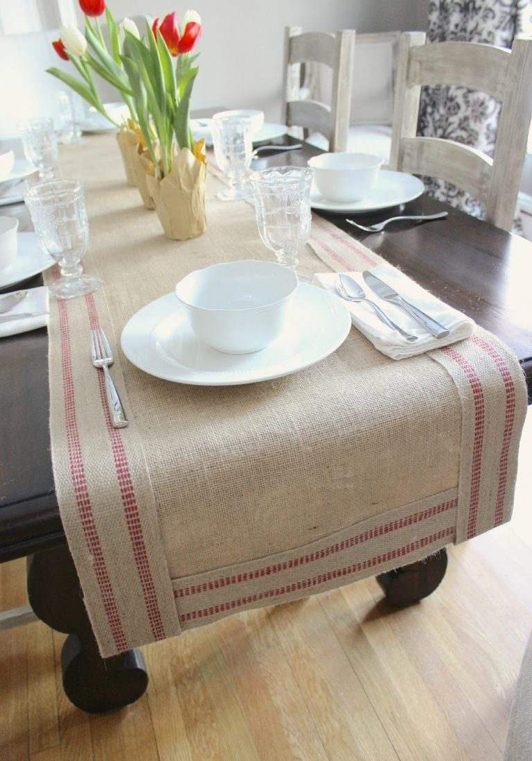 Burlap Table Runner ideas (17)