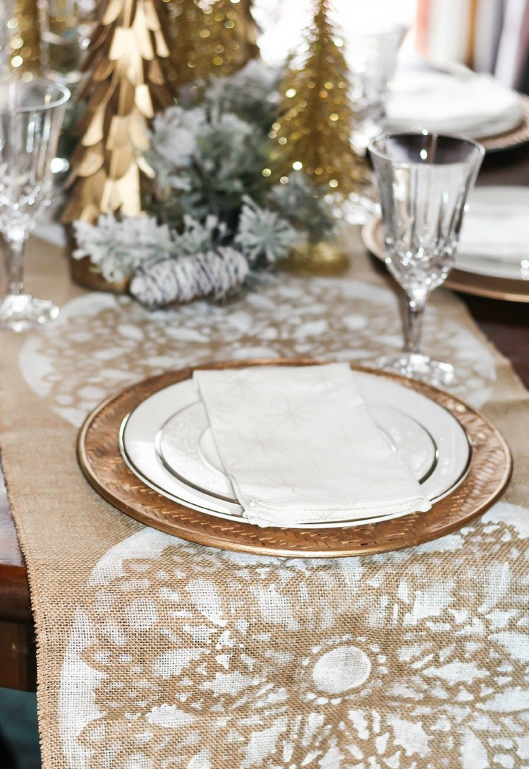 Burlap Table Runner ideas (22)