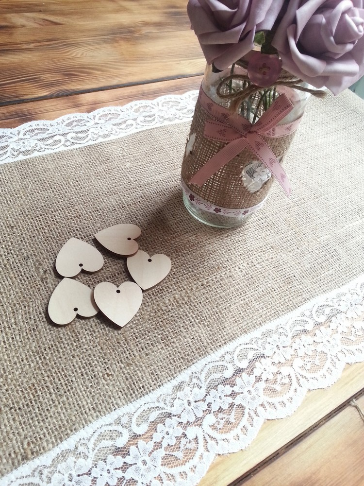 Burlap Table Runner ideas (3)