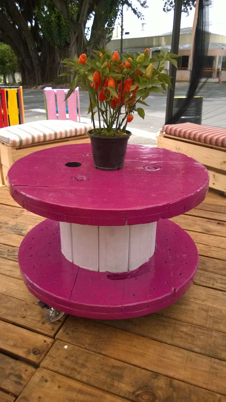 coffee table from wire spools (18)