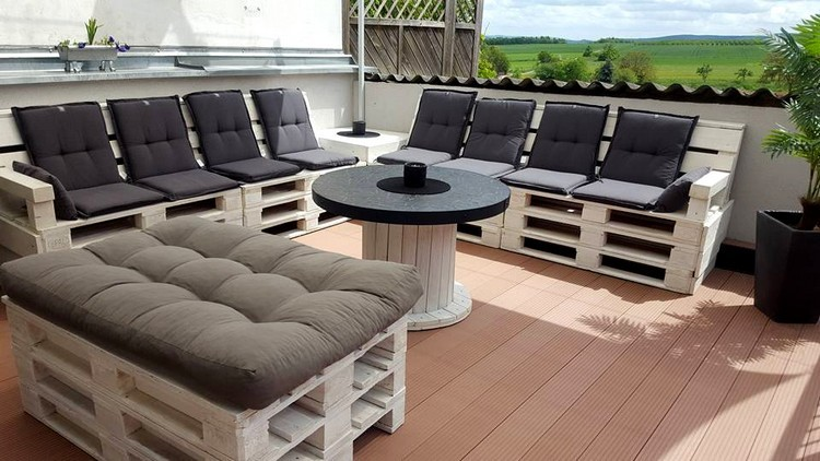 coffee table from wire spools (23)