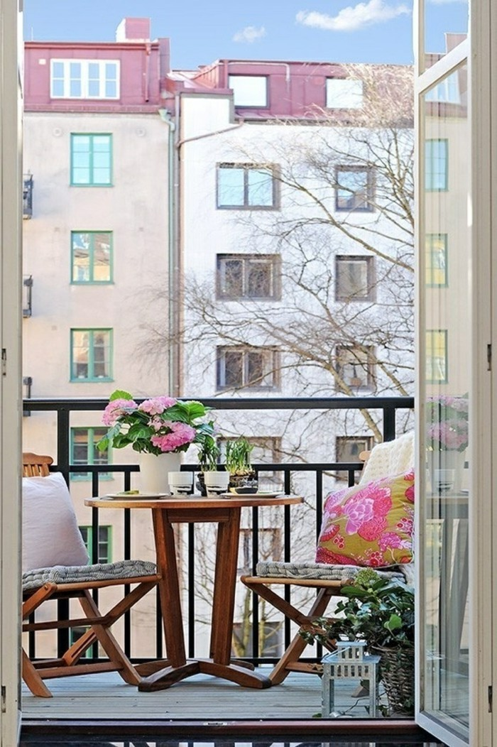 small balcony ideas11