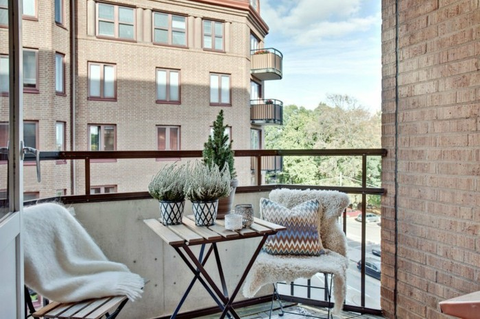 small balcony ideas28