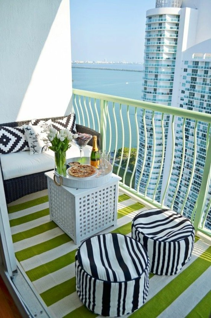small balcony ideas30