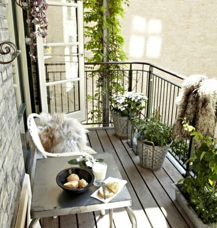 small balcony ideas31