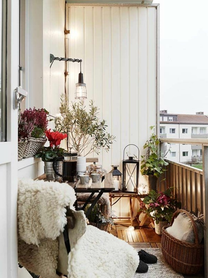 small balcony ideas34