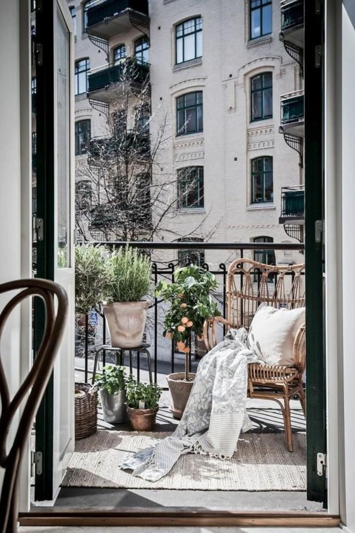 small balcony ideas37