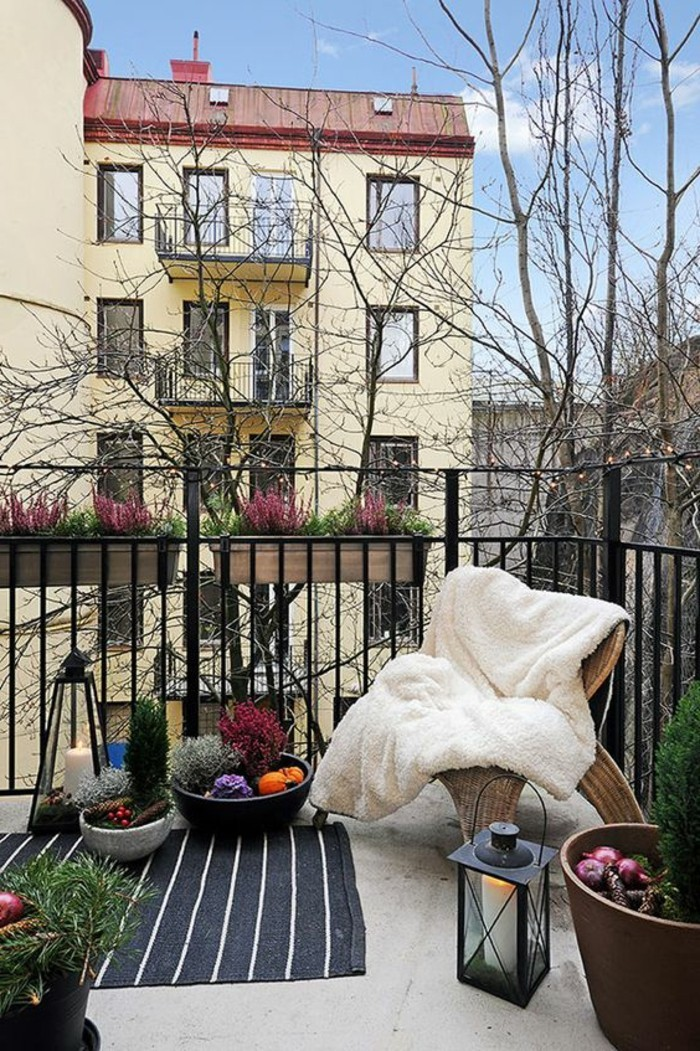 small balcony ideas45