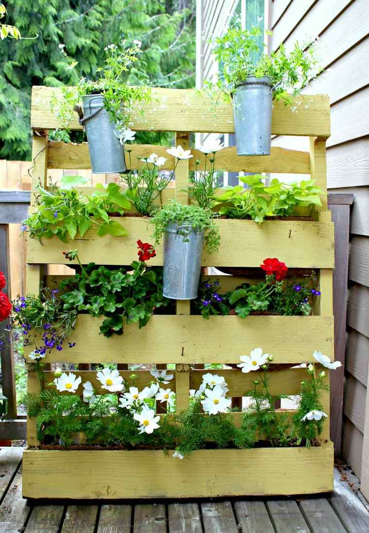 Pallet wooden planter ideas14