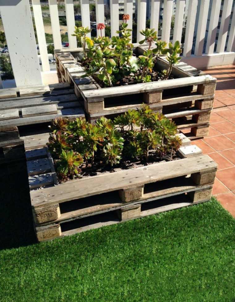 Pallet wooden planter ideas23