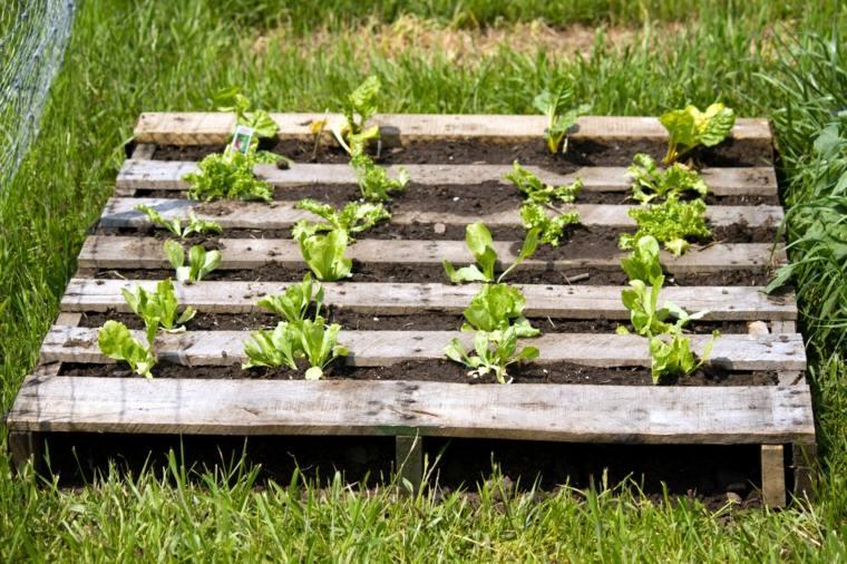 Pallet wooden planter ideas26