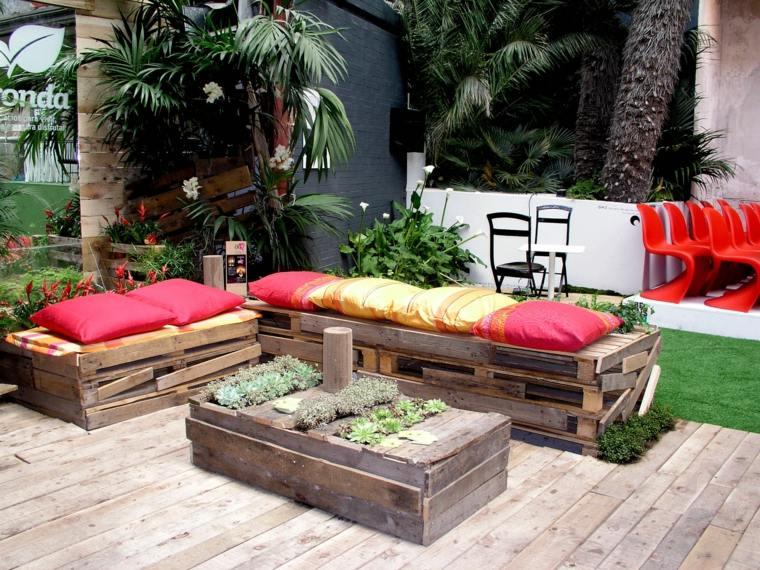 Pallet wooden planter ideas32