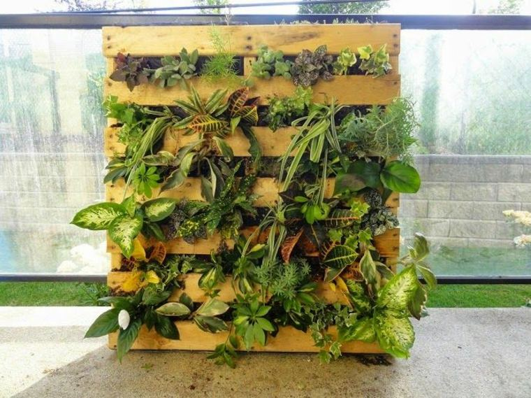 Pallet wooden planter ideas5