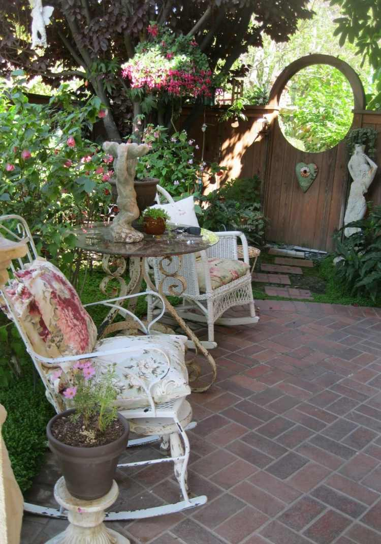 shabby chic garden decoration 2