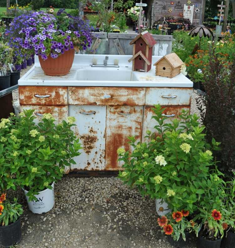 Shabby Chic Garden Decoration (21)