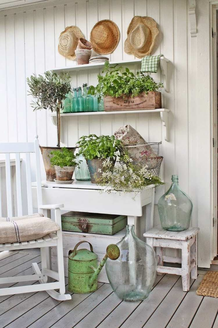 Cheap garden decoration in 28 objects of style Shabby Chic ... on Chic Patio Ideas id=12980