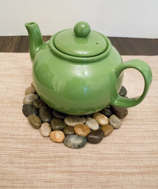 decorate your house with river stones7