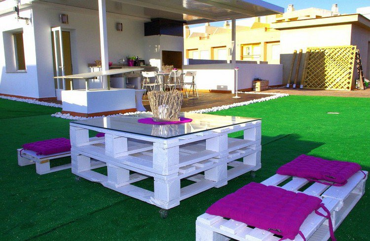 garden furniture from pallets1 outdoor furniture using wooden pallets - Garden Furniture Using Pallets