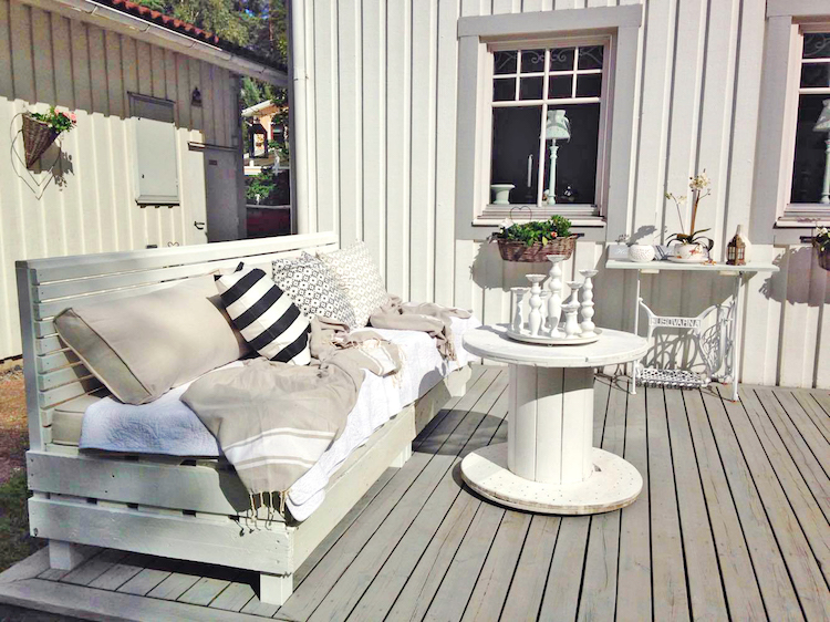 Pallet garden furniture13