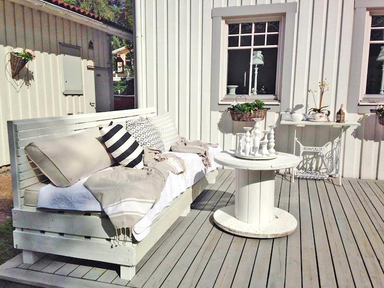 Pallet garden furniture13
