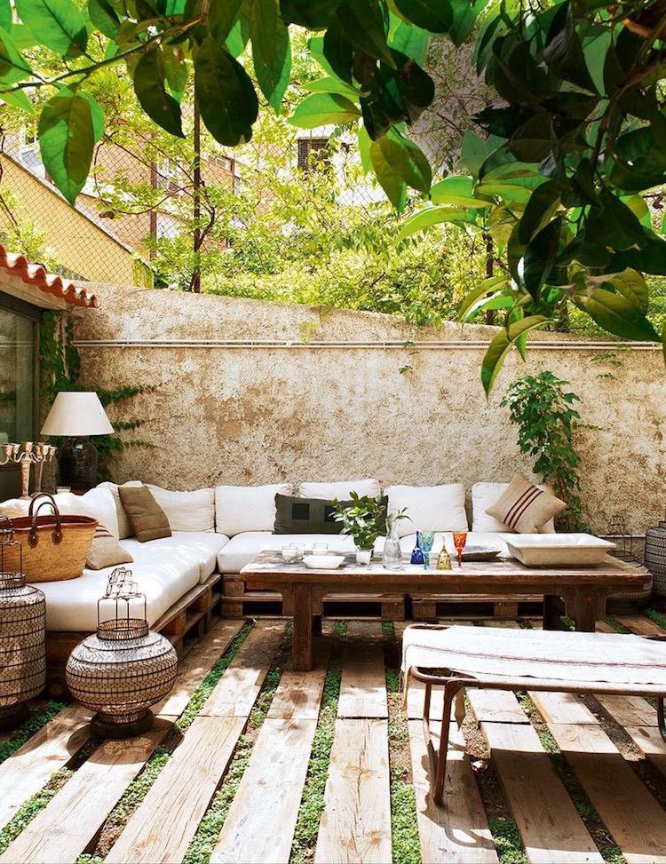 Pallet garden furniture16