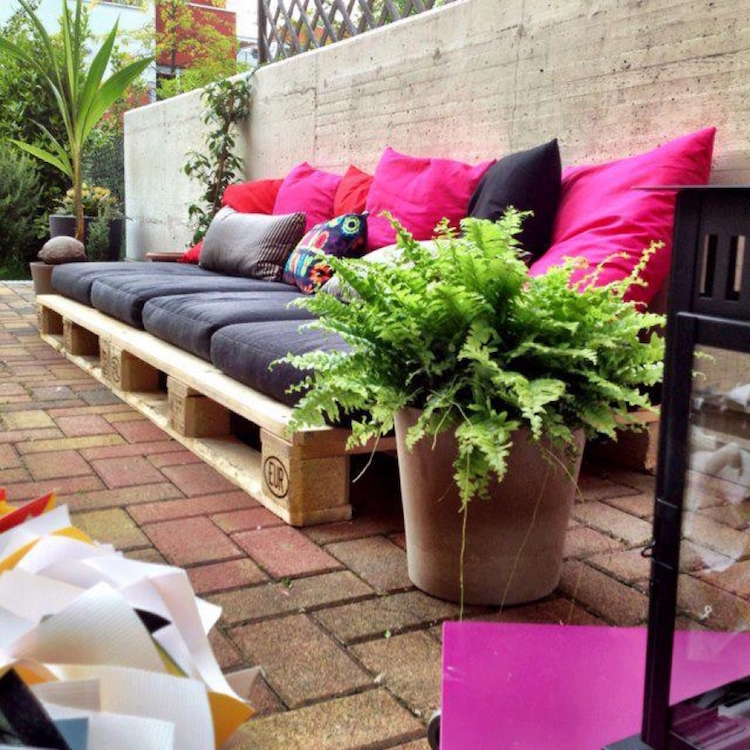Pallet garden furniture6