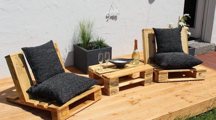 Pallet garden furniture - an eco-friendly and affordable ...