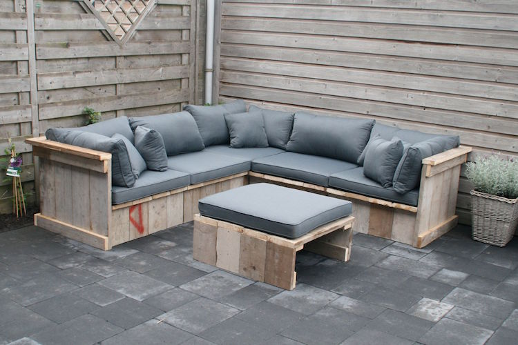 Pallet garden furniture - an eco-friendly and affordable solution ...