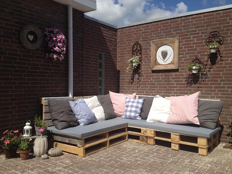 Pallet garden furniture9