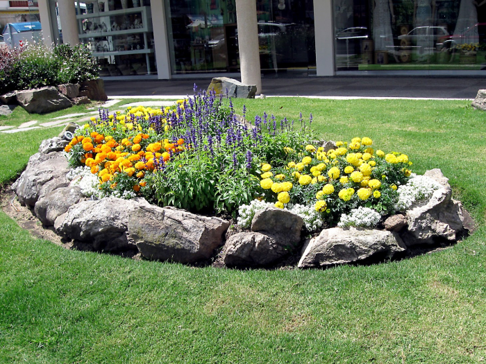 flower beds ideas19