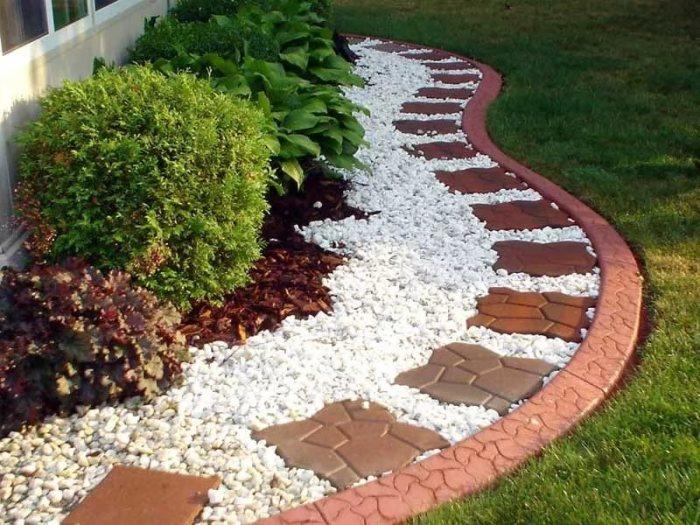 Garden Deco With Rocks2