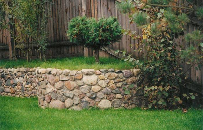 garden deco with rocks8