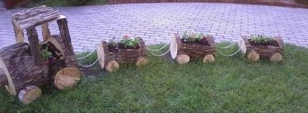 garden decoration with stumps and crates9