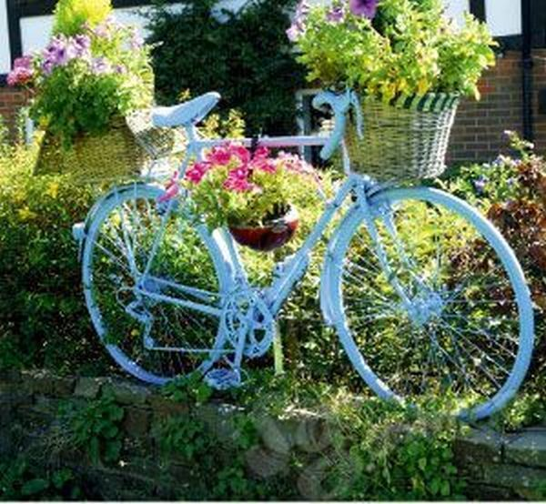 garden decorations from old bicycles9