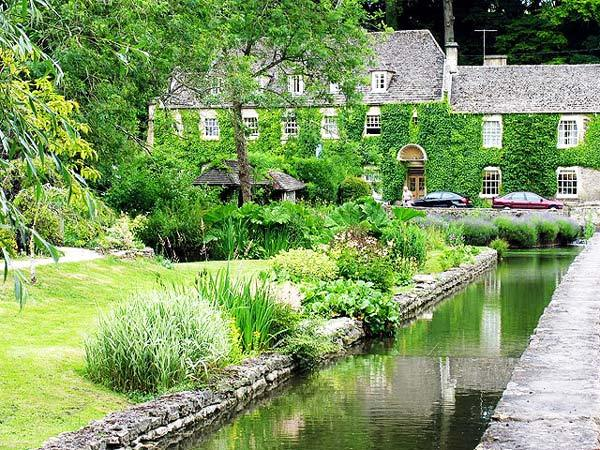 Bibury Incredible beauty in the English province8
