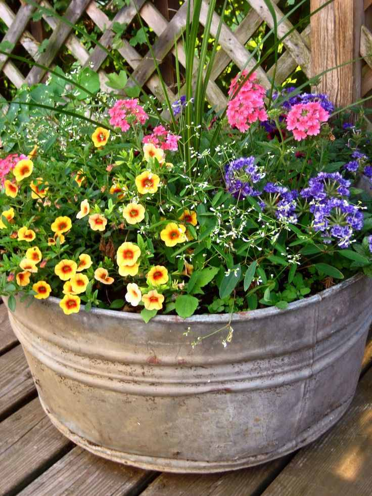 Summer Planter in 20 DIY Ideas to Create a Floral Paradise ...