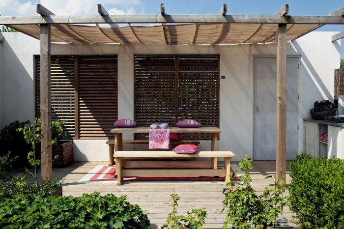 Garden with pergola11