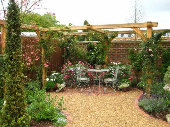 Garden with pergola2