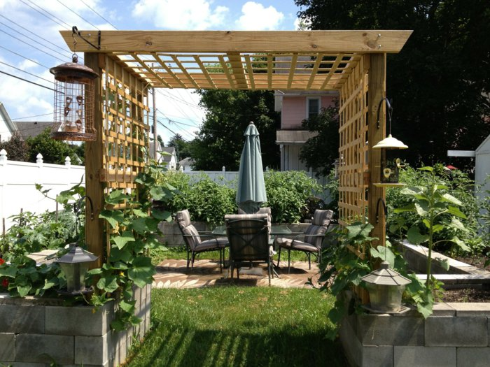 Garden with pergola25