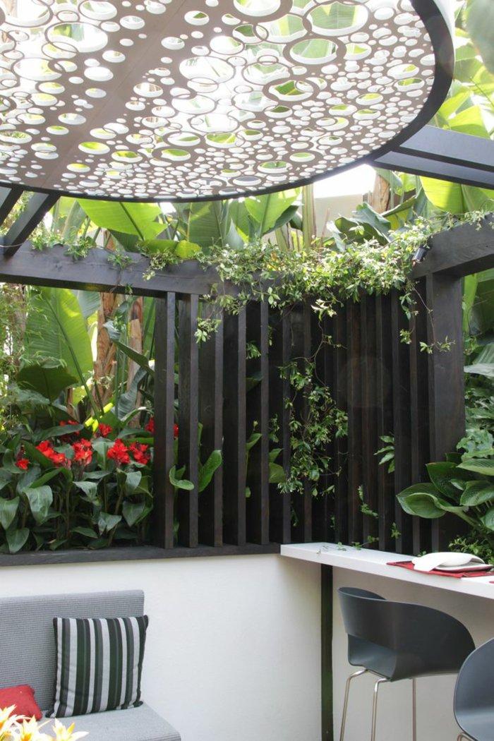 Garden with pergola38